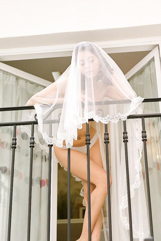 Elegant Blush Parisian Bridal Inspiration Featuring Luxurious Veils and Boudoir Ideas – Bonphotoge 11