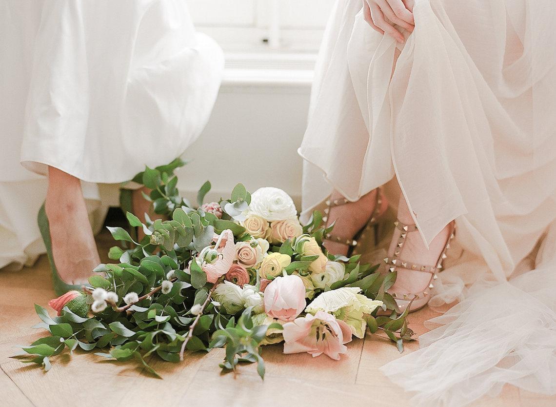 Elegant Blush Parisian Bridal Inspiration Featuring Luxurious Veils and Boudoir Ideas – Bonphotoge 70