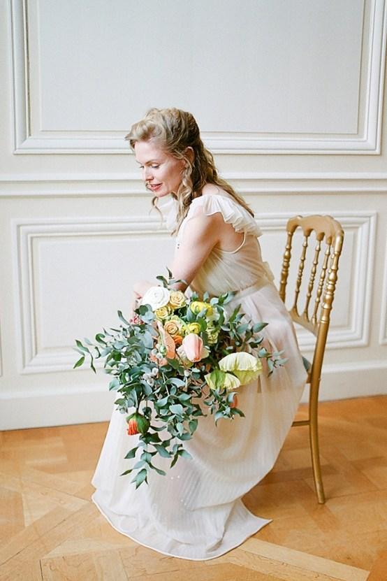 Elegant Blush Parisian Bridal Inspiration Featuring Luxurious Veils and Boudoir Ideas – Bonphotoge 8