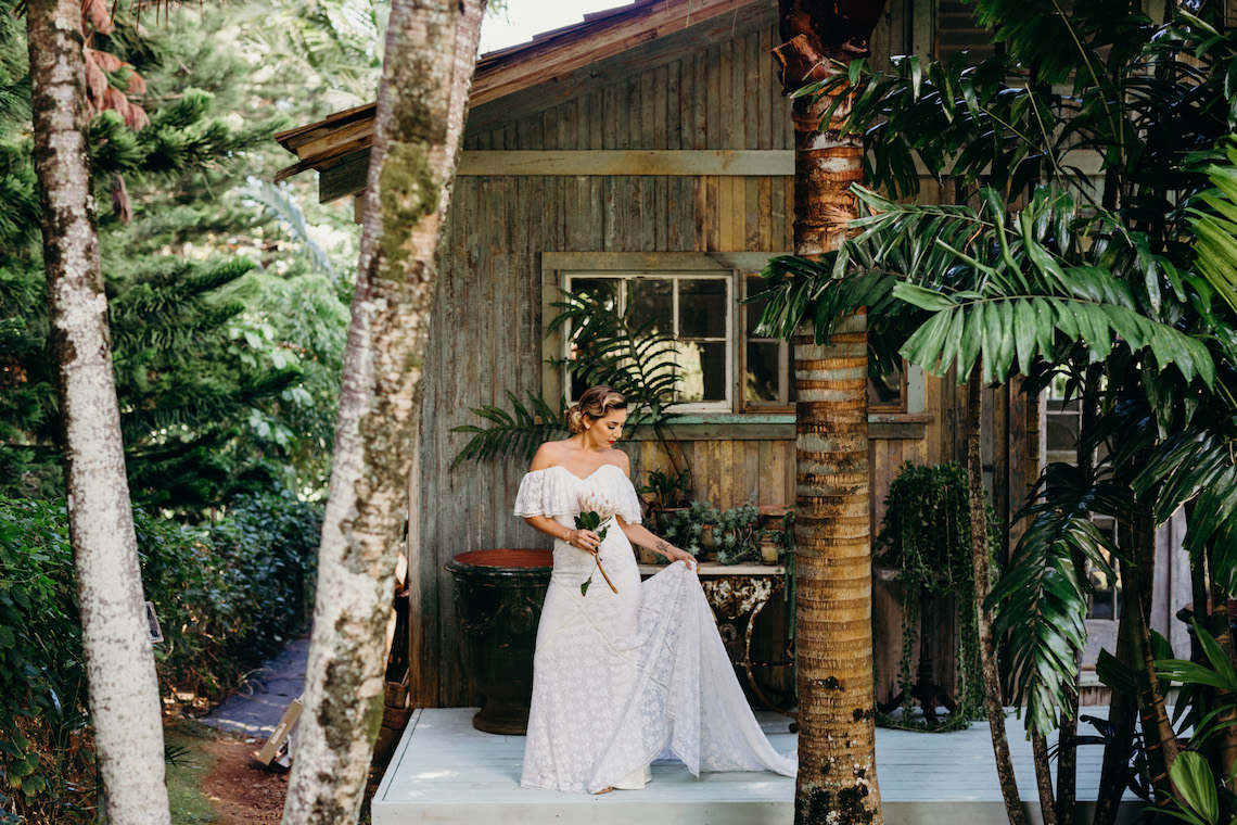 Glamorous and Tropical Hawaiian Wedding Inspiration – Melissa Ergo Photography 3