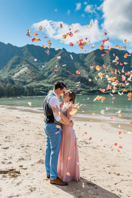 Intimate & Scenic Traditional Hawaiian Lei Exchange Elopement – Chelsea Stratso 18