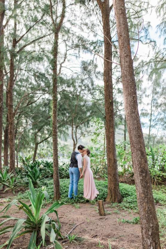 Intimate & Scenic Traditional Hawaiian Lei Exchange Elopement – Chelsea Stratso 23