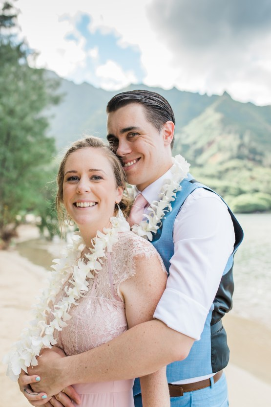 Intimate & Scenic Traditional Hawaiian Lei Exchange Elopement – Chelsea Stratso 24