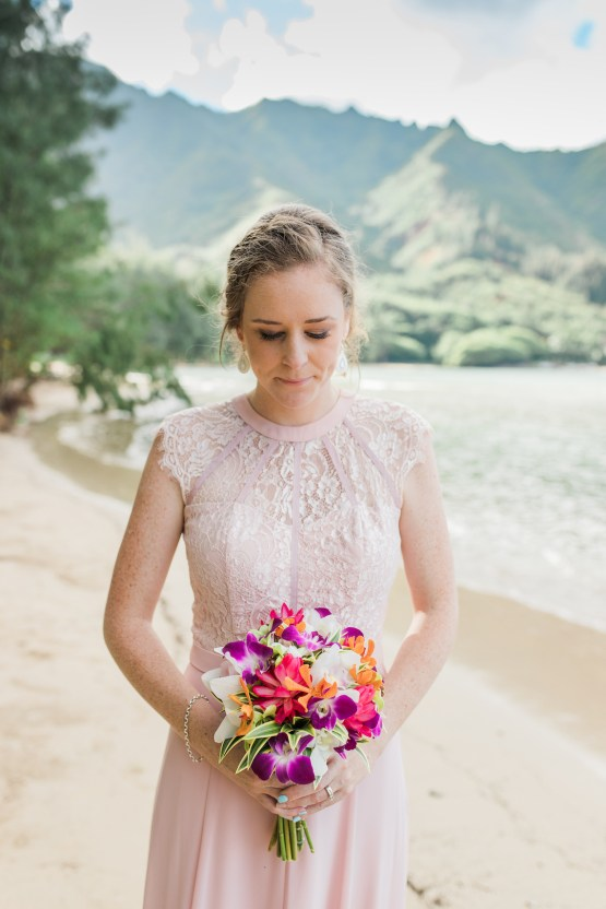 Intimate & Scenic Traditional Hawaiian Lei Exchange Elopement – Chelsea Stratso 25