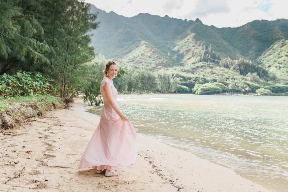 Intimate & Scenic Traditional Hawaiian Lei Exchange Elopement – Chelsea Stratso 3