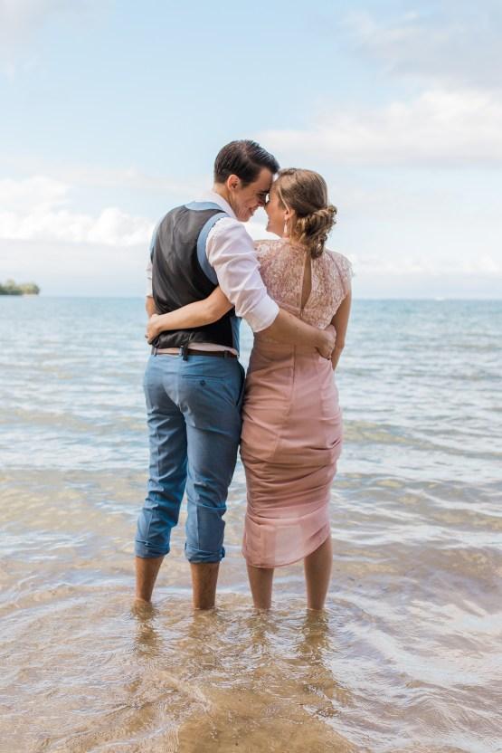 Intimate & Scenic Traditional Hawaiian Lei Exchange Elopement – Chelsea Stratso 32