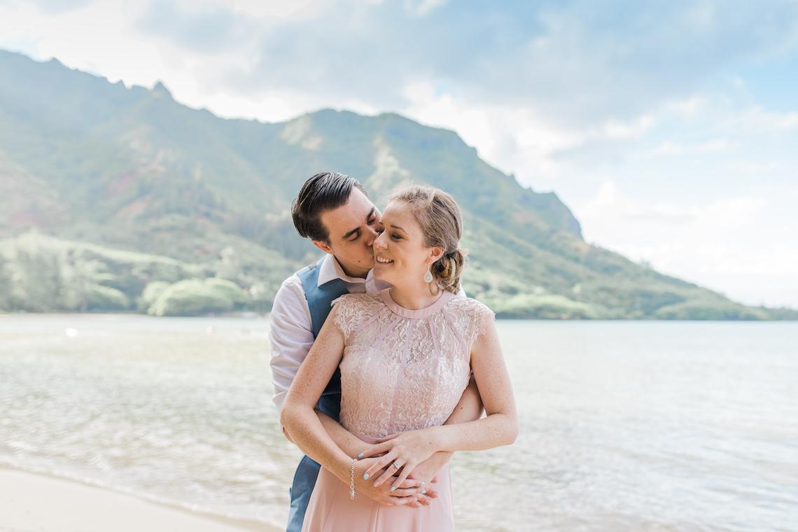 Intimate & Scenic Traditional Hawaiian Lei Exchange Elopement – Chelsea Stratso 5