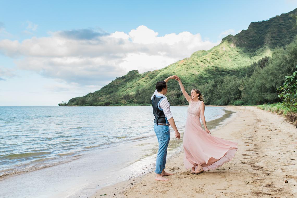 Intimate & Scenic Traditional Hawaiian Lei Exchange Elopement – Chelsea Stratso 6