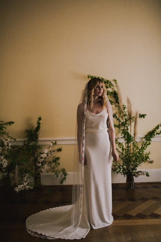 Modern Minimalistic London Wedding Inspiration – Blonde Army – Lisa Jane Photography 17