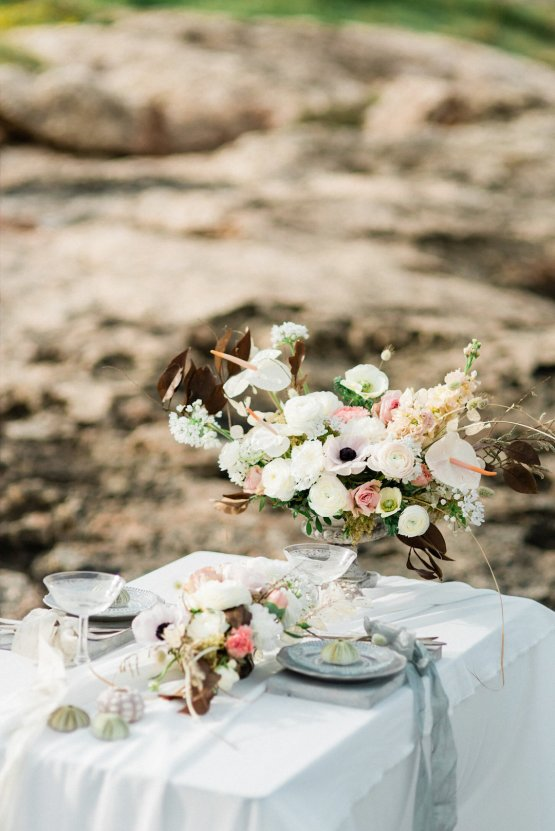 Organic and Foraged Romantic Puglia Wedding Inspiration – Lace and Luce 25