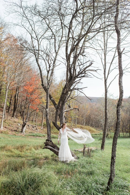 Warm Fall Catskills Wedding With Ceremony Sparklers – Christina Lilly Photography – Buds of Brooklyn 38