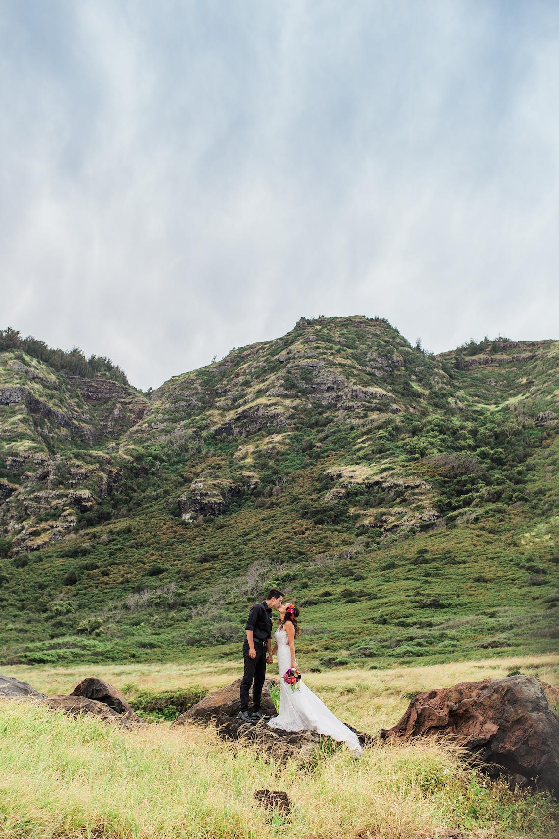Colorful Hawaiian Boho Wedding Inspiration – Chelsea Stratso Photography 50