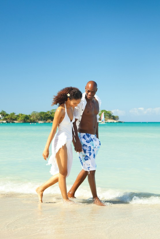 Four Jamaican Honeymoon Resorts We're Dying To Visit – Couples Negril 1