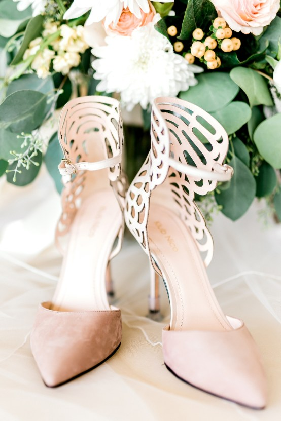 Glamorous Emerald Sapphire and Peach Countryside Wedding – Melanie Julian 23
