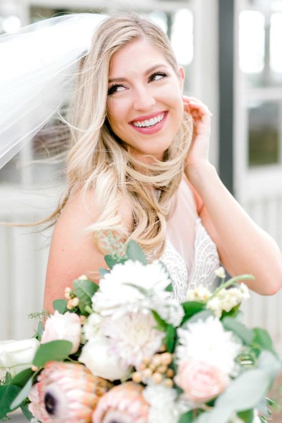 Glamorous Emerald Sapphire and Peach Countryside Wedding – Melanie Julian 29