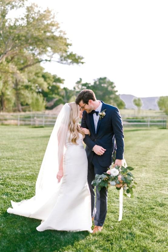 Glamorous Emerald Sapphire and Peach Countryside Wedding – Melanie Julian 31
