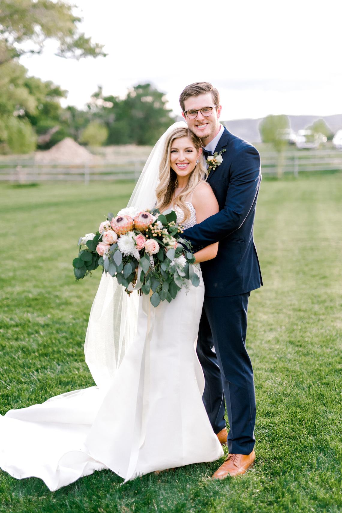 Glamorous Emerald Sapphire and Peach Countryside Wedding – Melanie Julian 33
