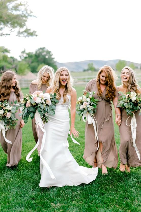 Glamorous Emerald Sapphire and Peach Countryside Wedding – Melanie Julian 55