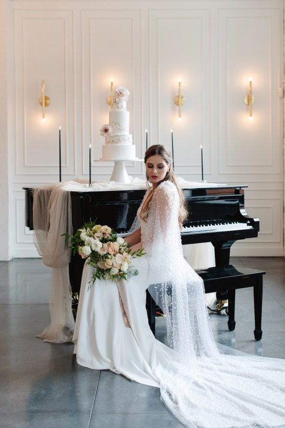 Modern Marble Wedding Inspiration With A Pearl Bridal Cape – Roots of Life Photography 31