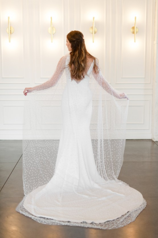 Modern Marble Wedding Inspiration With A Pearl Bridal Cape – Roots of Life Photography 50