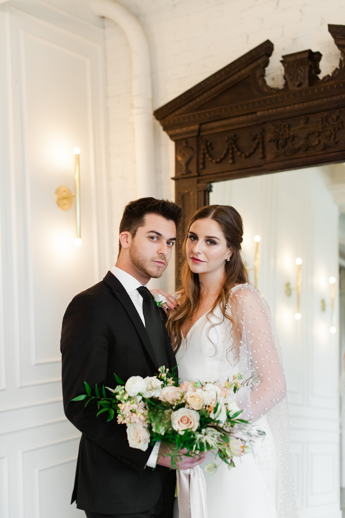 Modern Marble Wedding Inspiration With A Pearl Bridal Cape – Roots of Life Photography 53