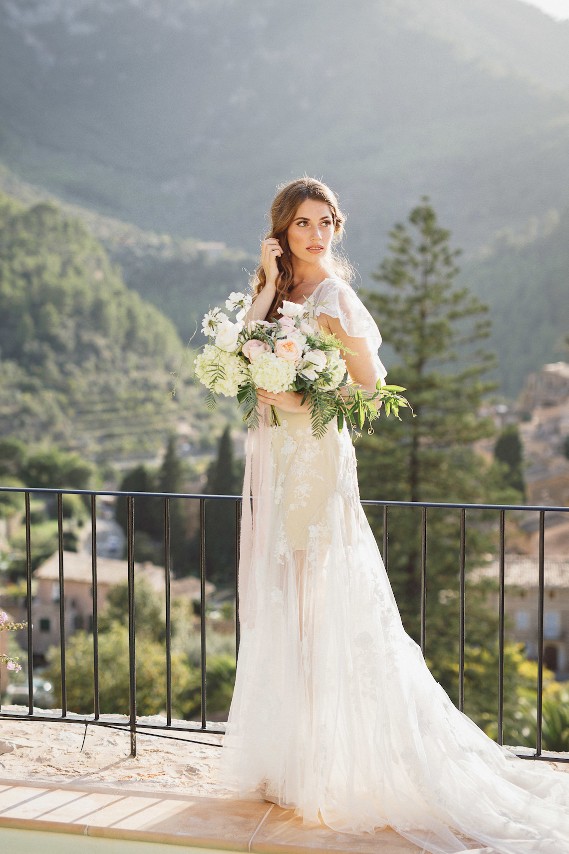 The Dreamiest Mallorca Mountain Bridal Inspiration – Vivid Symphony 32