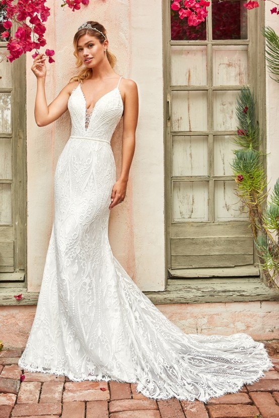 10 Stunning Wedding Dresses By Destination – Val Stefani Clover Dress 1