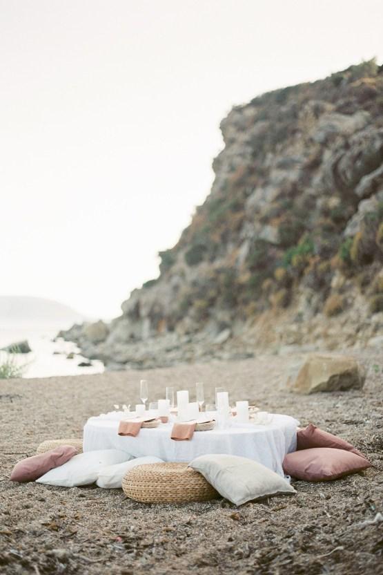 Dreamy Greek Beach Picnic Elopement In Neutral – Elisabeth Van Lent13