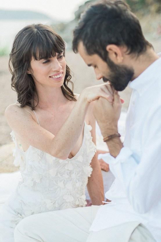 Dreamy Greek Beach Picnic Elopement In Neutral – Elisabeth Van Lent24