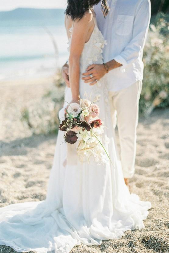Dreamy Greek Beach Picnic Elopement In Neutral – Elisabeth Van Lent8