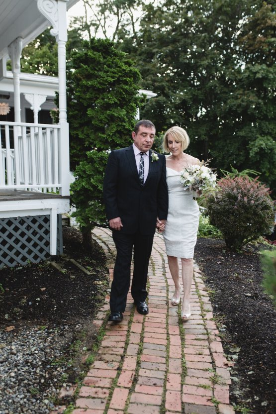 Intimate and Charming New England Bed and Breakfast Wedding – Juliana Montane Photography 23
