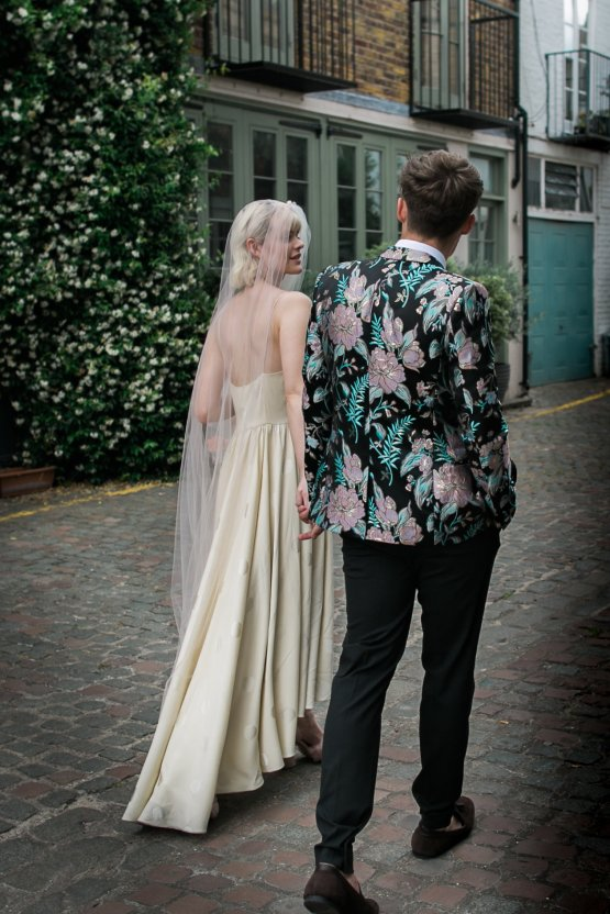 London Rock and Roll Elopement Inspiration – Storyett Photography 14