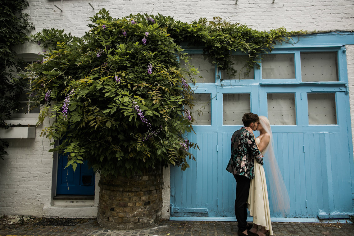 London Rock and Roll Elopement Inspiration – Storyett Photography 30