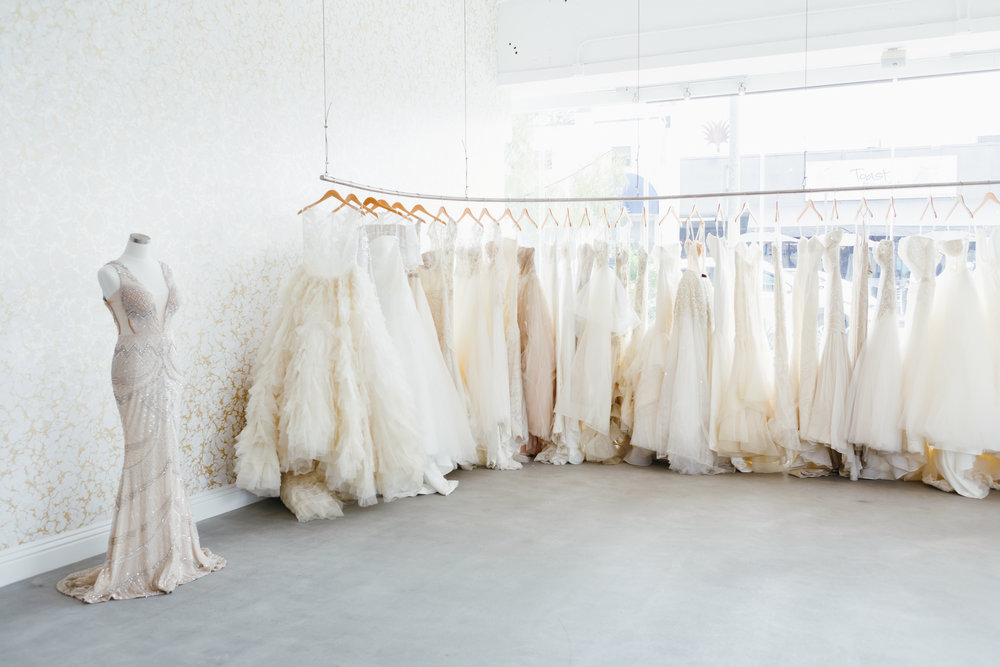 These Are The 10 Best Bridal Salons In Los Angeles For Every Type Of Bride,Pregnant Dresses For Wedding Guest