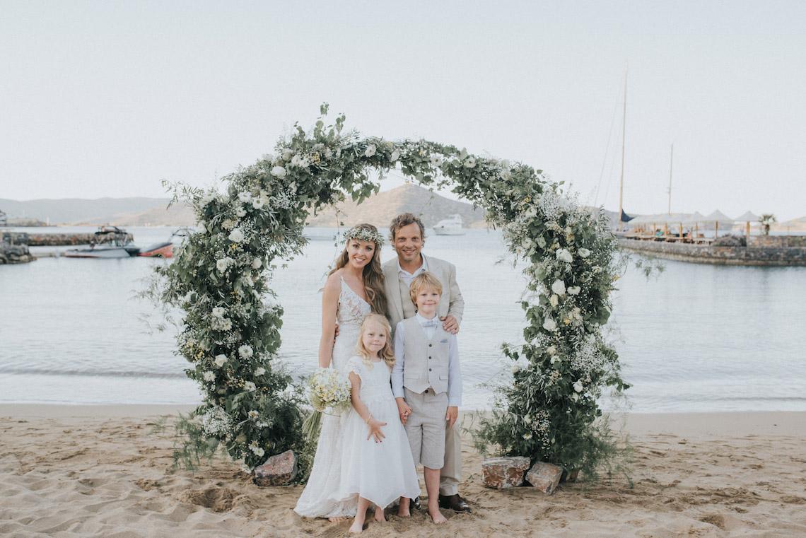 Boho Greek Island Wedding Featuring A Circle Floral Arch – Paulina Weddings 42