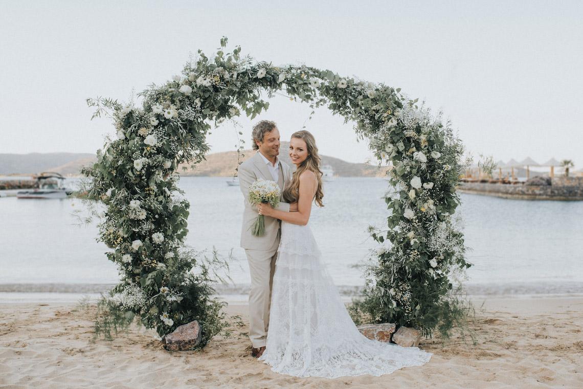 Boho Greek Island Wedding Featuring A Circle Floral Arch – Paulina Weddings 43