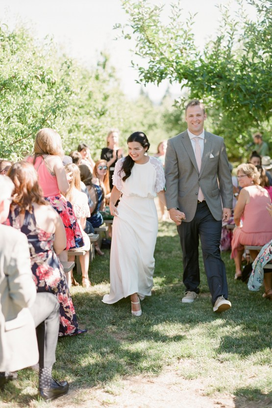 Cute Mt Hood Oregon Orchard Wedding – Simply Splendid Photography 38