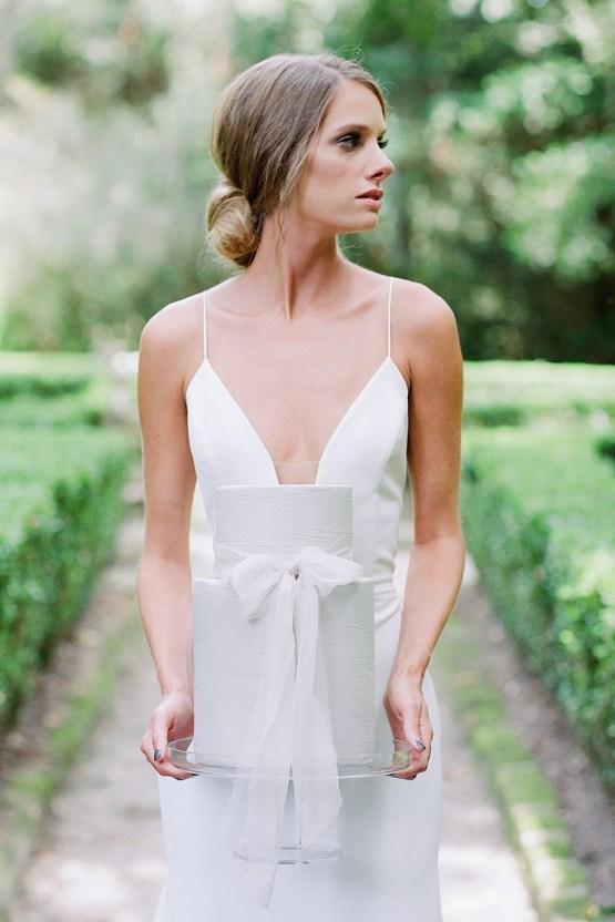 Elegant Fuchsia Wedding Inspiration in Charleston – Carrie Joy Photography – Detailed I Dos 33