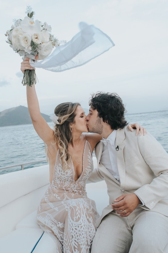 Epic Bohemian Wedding On A Tiny Brazilian Island – Val e Wander Fotografia 18