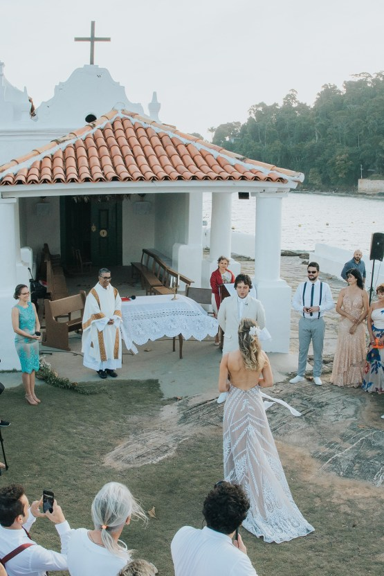 Epic Bohemian Wedding On A Tiny Brazilian Island – Val e Wander Fotografia 21