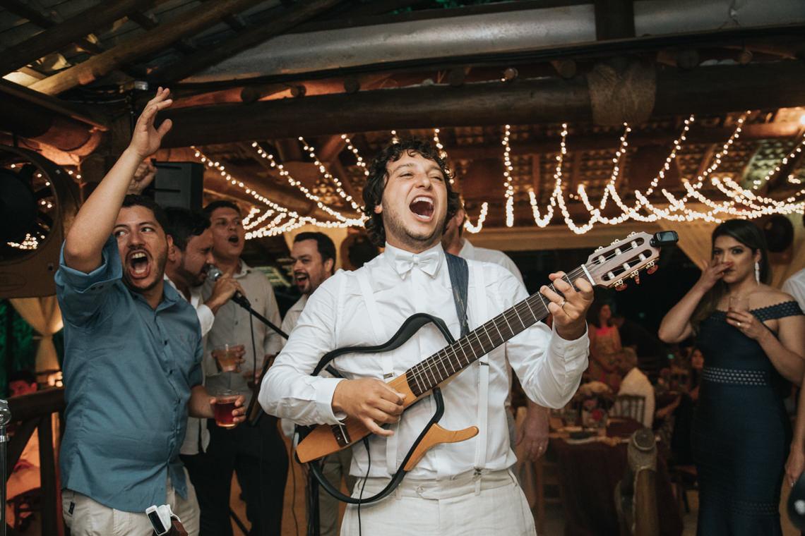 Epic Bohemian Wedding on a Tiny Island in Brazil – Val e Wander 15
