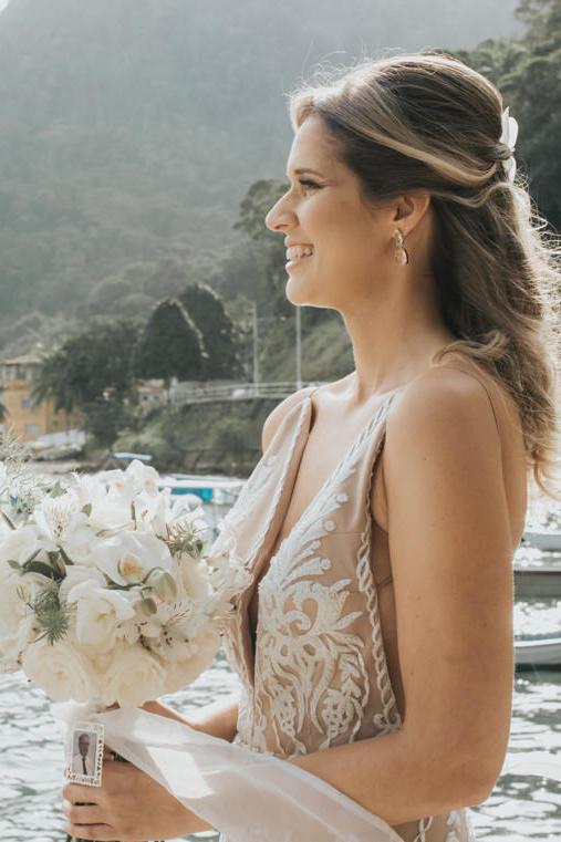 Epic Bohemian Wedding on a Tiny Island in Brazil – Val e Wander 21
