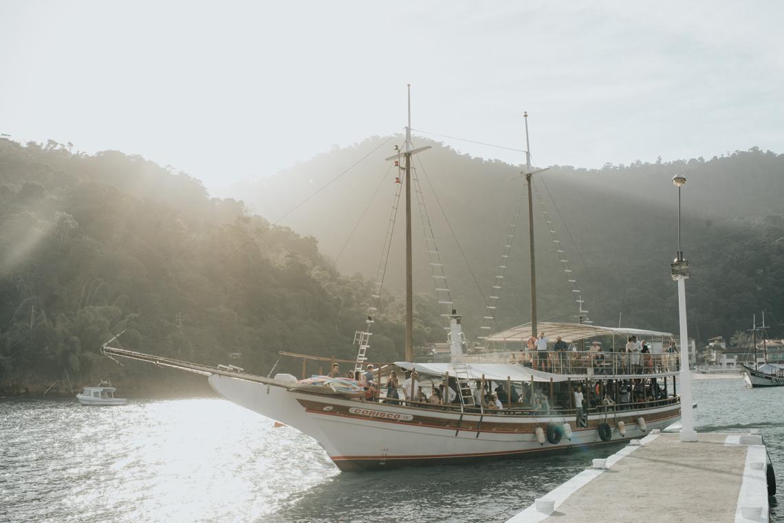 Epic Bohemian Wedding on a Tiny Island in Brazil – Val e Wander 3