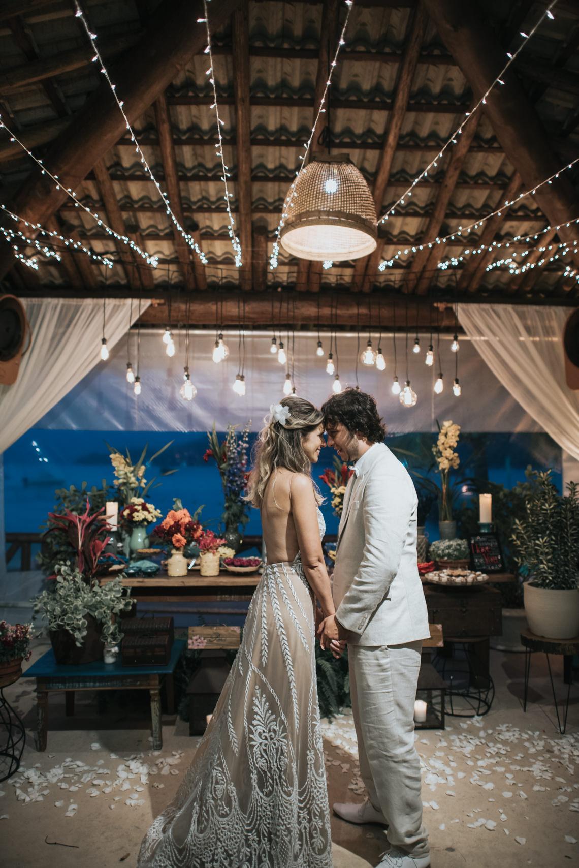 Epic Bohemian Wedding on a Tiny Island in Brazil – Val e Wander 32