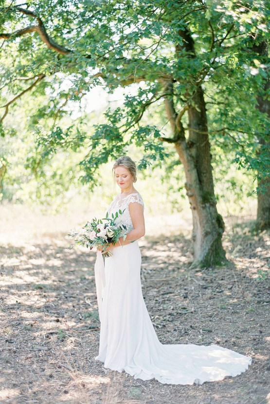 Light and Airy Belgium Garden Wedding – Elisabeth Van Lent 11