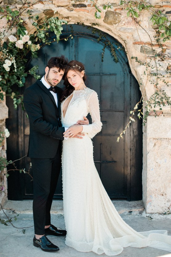 Luxurious Wedding Inspiration From An Ancient Greek Chapel – Nina Wernicke 11