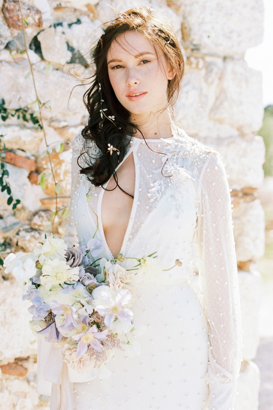 Luxurious Wedding Inspiration From An Ancient Greek Chapel – Nina Wernicke 18