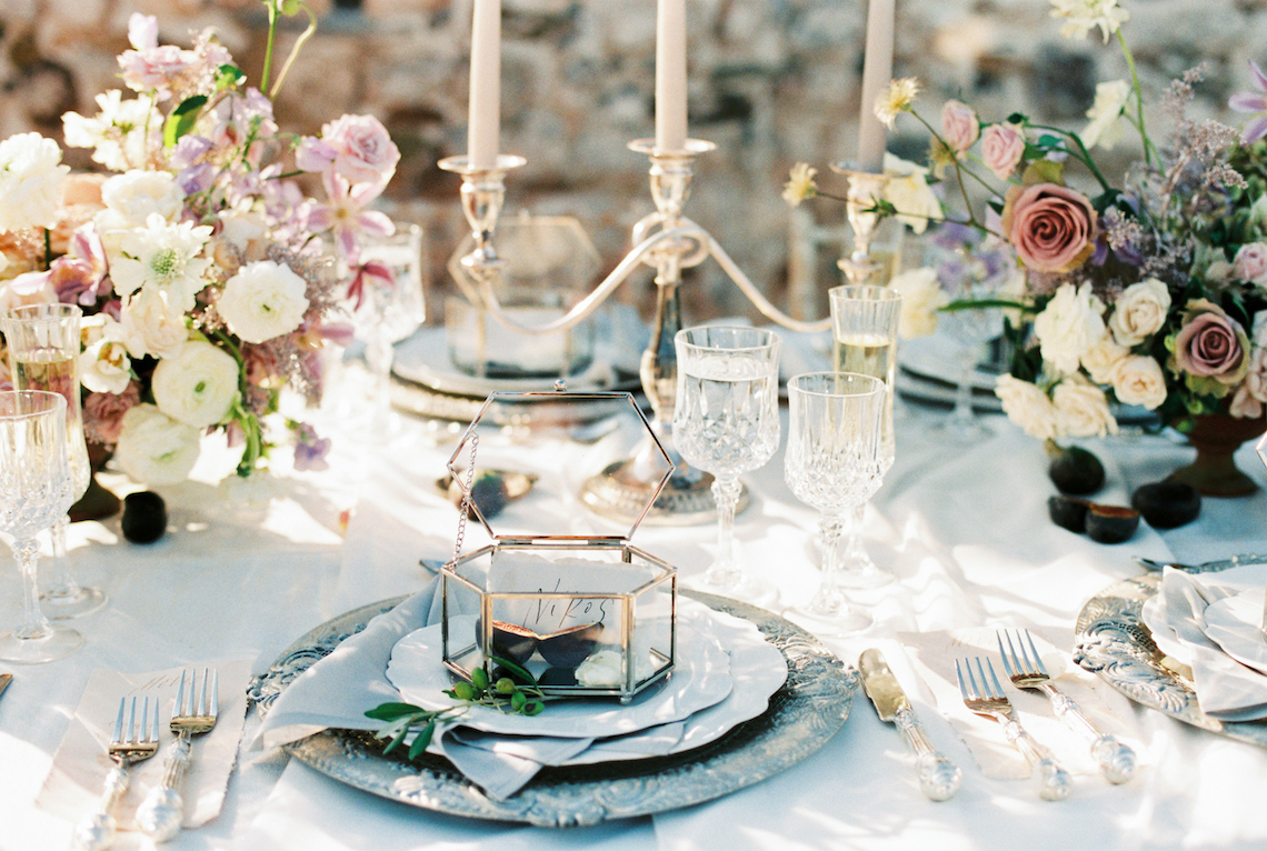 Luxurious Wedding Inspiration From An Ancient Greek Chapel – Nina Wernicke 3
