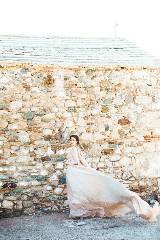 Luxurious Wedding Inspiration From An Ancient Greek Chapel – Nina Wernicke 42