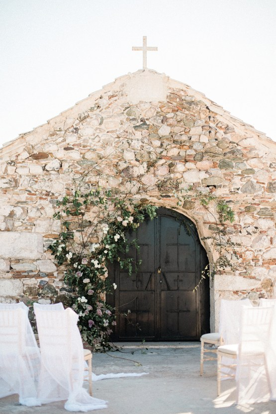 Luxurious Wedding Inspiration From An Ancient Greek Chapel – Nina Wernicke 7